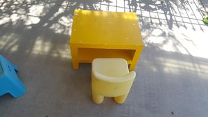 Table and chairs for kids for Sale in Avondale, AZ