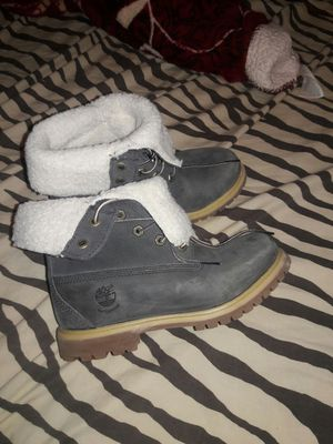 Timberland for woman size 5 1/2 for Sale in Oxon Hill, MD