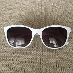Crush Sunglasses by Bethany Hamilton for Sale in West Palm Beach, FL