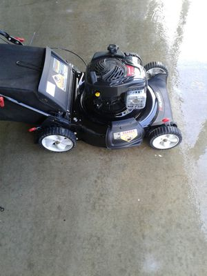 Murray, 21in rotary mower.5hp engine. $90 takes it.Rock bottom price for Sale in Compton, CA