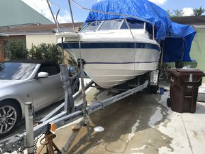 Windshield for bay liner boat for Sale in Hialeah, FL