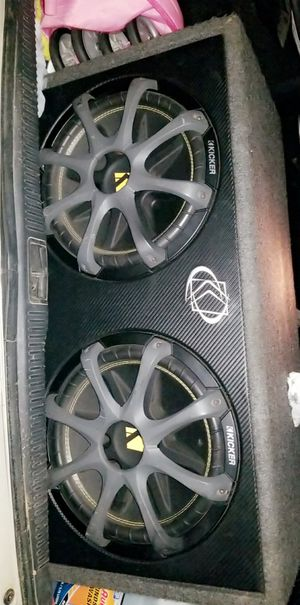 Kicker Dual CompC 12 inch Subwoofers W/ AMP for Sale in Loma Linda, MO