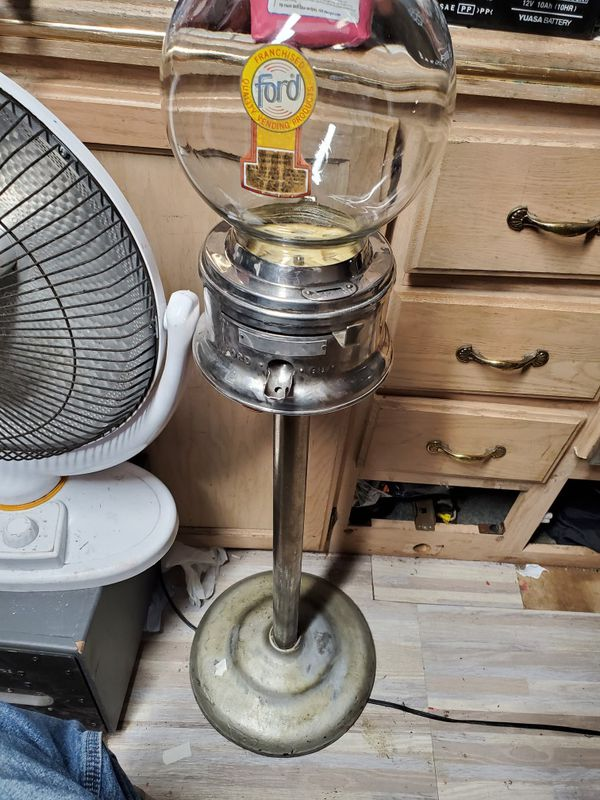 "1950s ""Ford"" gumball machine 150$ firm marked down from 200$"