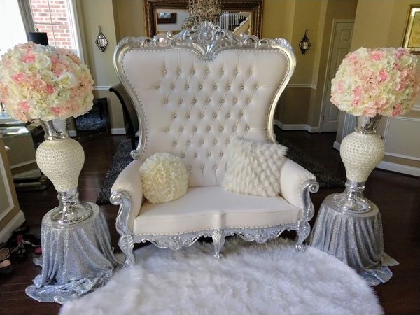 Rental throne love seat for weddings and events