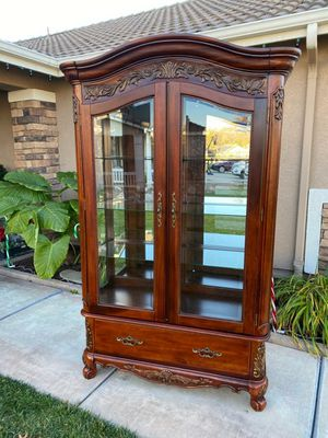 "STUNNING ""PULASKI"" 2 DOOR LIGHTED CURIO / COLLECTORS DISPLAY CABINET W/ DRAWER (48""W × 20""D × 78""H) for Sale in Corona, CA"