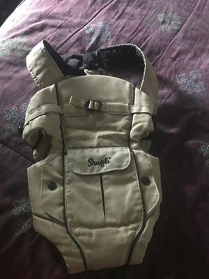 Baby kangaroo 🦘 for baby to carrier 0- 18 months for Sale in Houston, TX