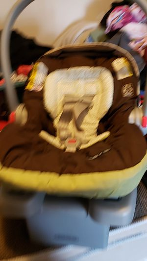 Baby car seat for Sale in Hubert, NC