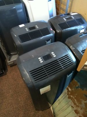 Delonghi 12,500 BTU air conditioner and dehumidifier for Sale in Modesto, CA