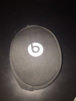 Beats solo 2 wired special edition headphones for Sale in Tucson, AZ