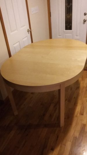 BIG STRONG WOOD TABLE FOR SALE for Sale in Bellevue, WA