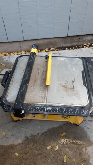 Tile wet saw for Sale in Modesto, CA