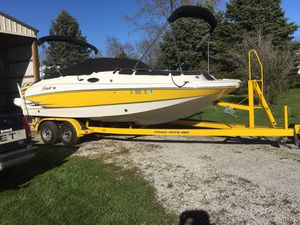 21 ft V8 Saeswirl needs cleaning and Battery's for Sale in Heyworth, IL