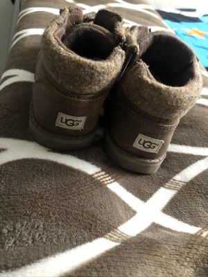 Boys UGG Boots for Sale in Los Angeles, CA