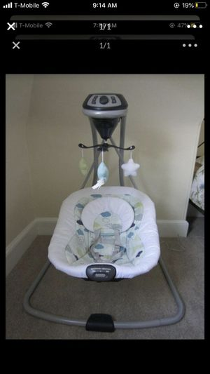Graco baby swing for Sale in Hallandale Beach, FL