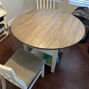 Dining Table With 2 Chairs for Sale in Murfreesboro, TN