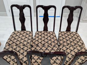 Dinning table and 6 chairs for Sale in Queens, NY
