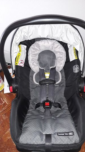 GRACO SNUGRIDE 30LX CAR SEAT for Sale in Bedford, TX