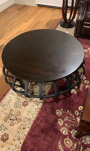 Circular coffee table for Sale in Houston, TX