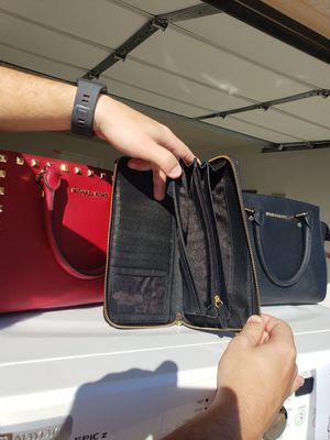 Michael Kors Wallet for Sale in Queen Creek, AZ