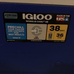 Igloo 38 Qt Wheelie Cool Cooler for Sale in Tacoma,  WA