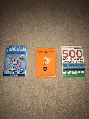 MARKETING BOOK BUNDLE W/ FREE PENLIGHT JUST IN TIME FOR HOLIDAY SEASON! for Sale in Tampa, FL