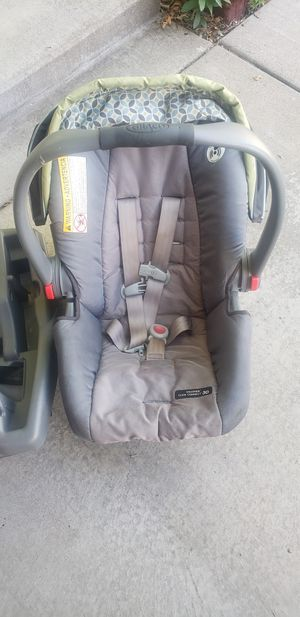 Infant Car seat for Sale in Saint Paul, MN