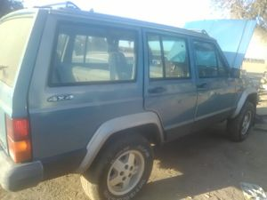 93 Jeep loredo for parts for Sale in Fresno, CA