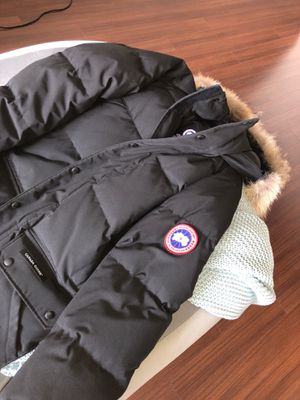 Small Canada Goose Parka for Sale in Houston, TX