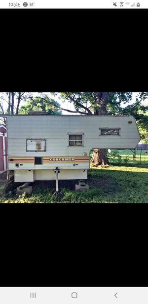 Coachmen Truck bed camper for Sale in Blue Mound, IL