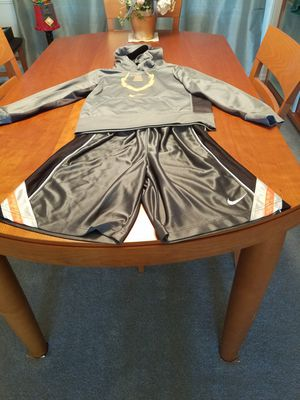 Boys nike outfit sz M for Sale in Maple Valley, WA