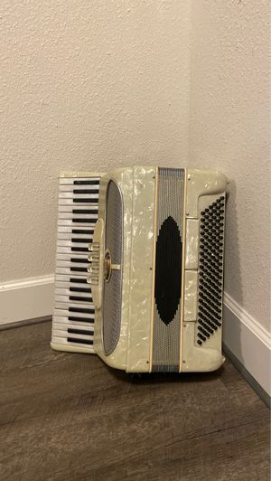 Accordion for Sale in Troutdale, OR