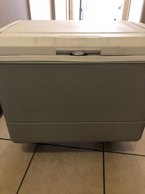 Coleman Powerchill 40 Quart Thermoelectric Cooler w/ 120 Volt Adapter for Sale in Las Vegas, NV