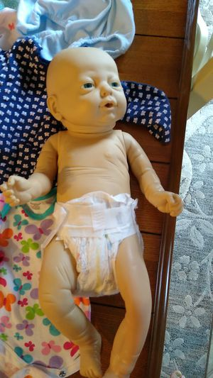 Babydoll newborn and ton of clothes for Sale in Puyallup, WA