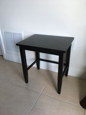Nice Black Wood End Table well made. for Sale in West Palm Beach, FL
