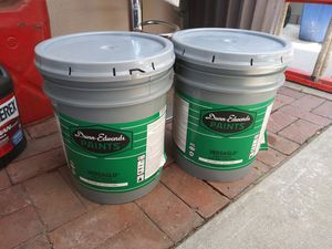 Dunn Edwards Paints interior / exterior latex zemi gloss swiss coffee for Sale in Ontario, CA
