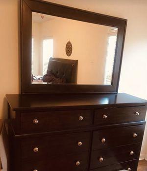 Queen bedroom set for Sale in Alpharetta, GA