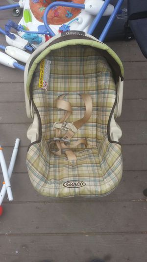 baby car seat for Sale in Waldorf, MN