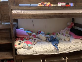 Twin Size Bunk Bed for Sale in St. Petersburg,  FL