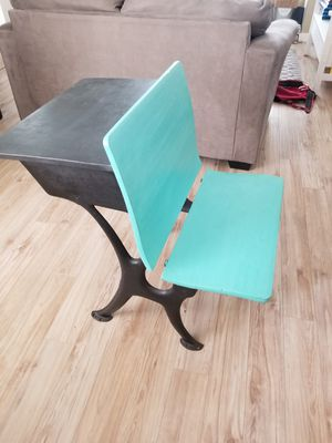 Desk, Cast iron legs. for Sale in Pasco, WA