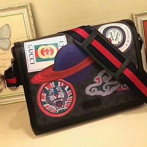 Gucci Mens Supreme Bag for Sale in Florissant, MO