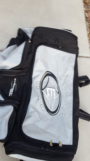 """Extra large 40"""" long luggage duffle bag for Sale in Las Vegas, NV"""