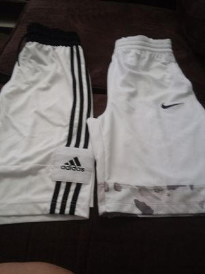 Shorts adidas ..nike for Sale in Calexico, CA