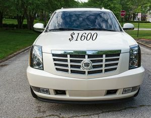 🍀I sell👍my🆕family🍀Suv $1,600🍀2008 Cadillac🍀 for Sale in Los Angeles, CA