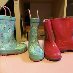 5/6 Toddler Girl Rain boots for Sale in San Leandro, CA