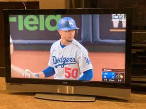 46-inch Vizio HDTV LCD TV for Sale in Canyon Lake, CA