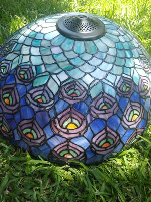 Tiffany Floor Lamp (Peacock feather pattern) for Sale in Conroe, TX