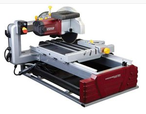 Chicago Electric 2.5 hp wet tile saw for Sale in Portland, OR