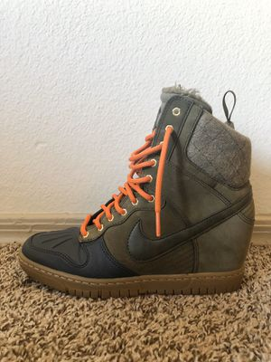 Nike wedge boots - women's 8.5 for Sale in Guadalupe, AZ