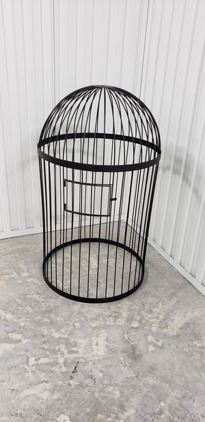 ***NEED OUT OF STORAGE*** Beautiful bird cage for Sale in Miami, FL