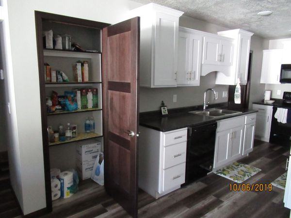 Better than new 2br 2ba twinhome on west side